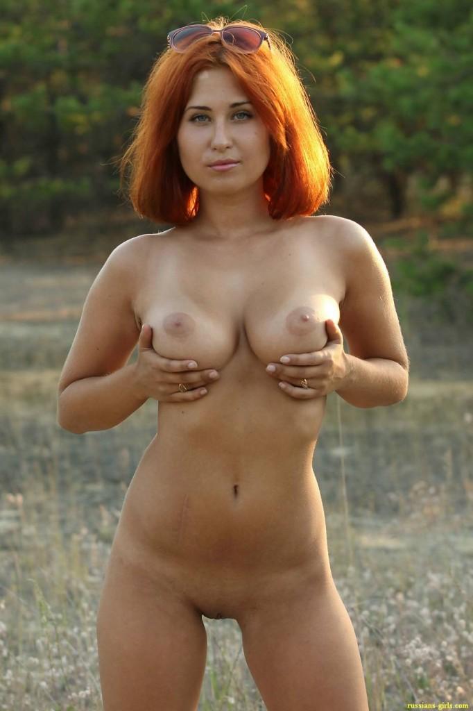 Рыжая девушка с большой грудью (3-е фото)