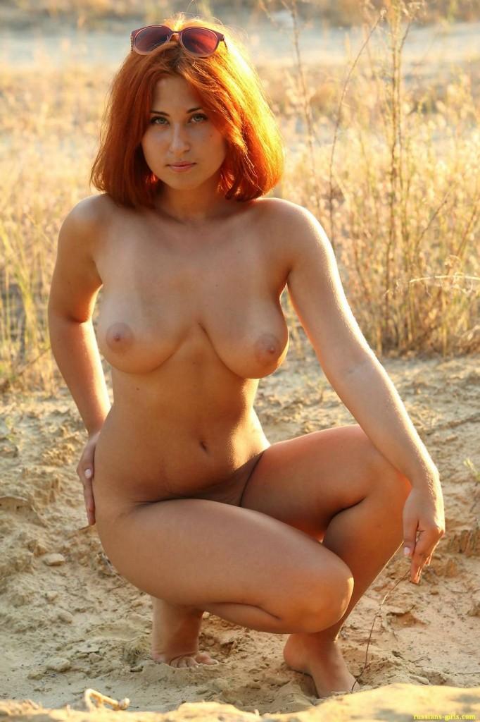 Рыжая девушка с большой грудью (7-е фото)