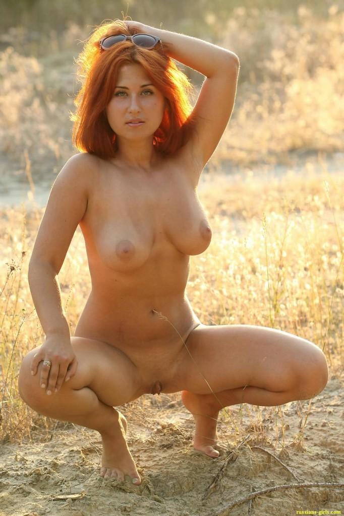 Рыжая девушка с большой грудью (13-е фото)