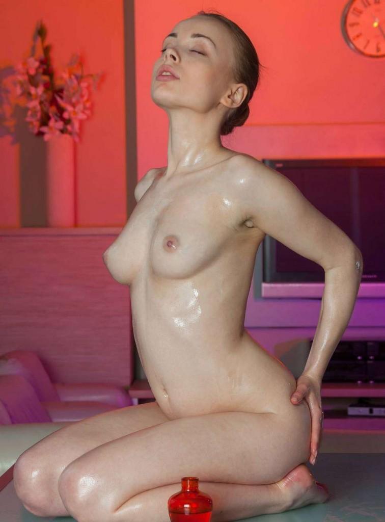 Сногсшибательные фото голой девушки