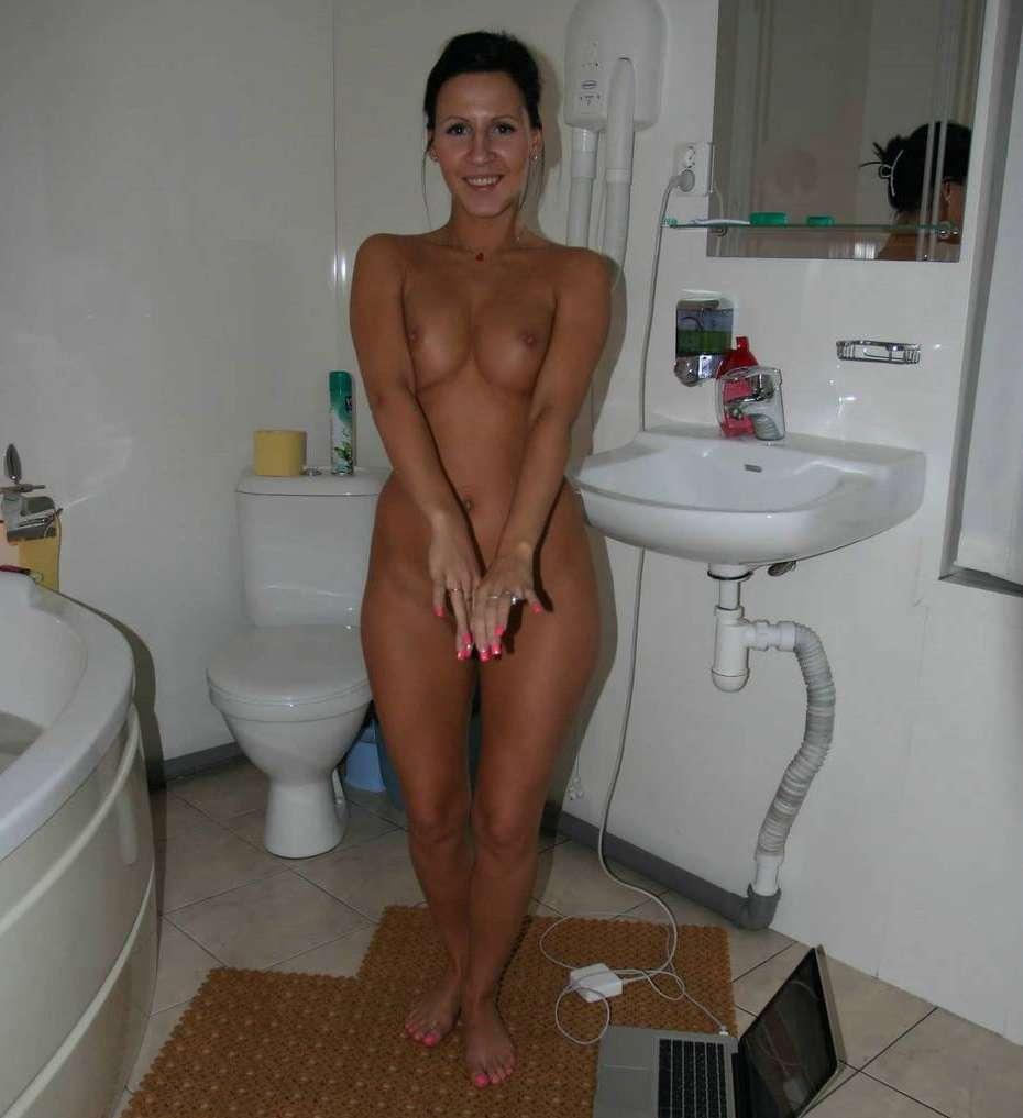 Частное фото брюнеток в ванной 30 фотография