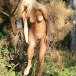 Частные фото голой блондинки