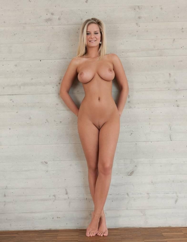Фото красивой голой девушки