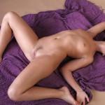 Сексуальные фото девушки с маленькой грудью