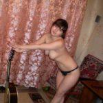 Молодая девушка с большими сиськами