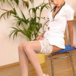 Голая медсестра на приеме