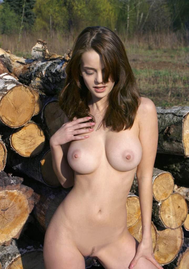 Украинка с большими сиськами голышом